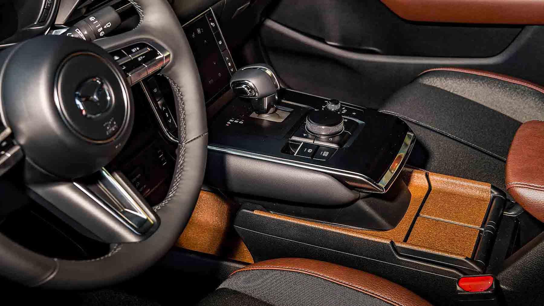 Dettaglio Interni in Sughero Mazda MX 30