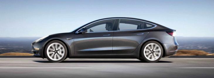 Fiancata Tesla Model 3