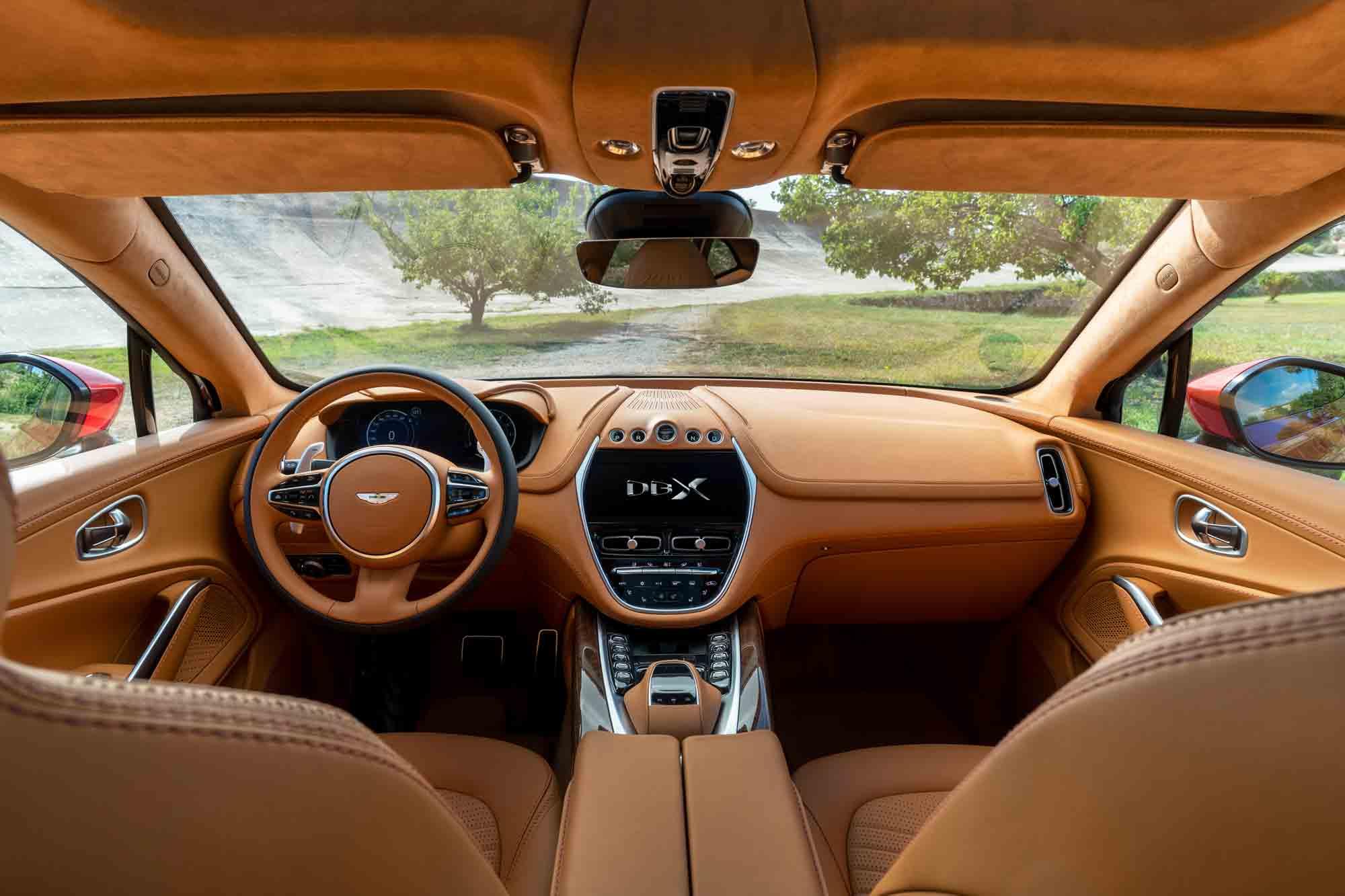 Interni Aston Martin DBX