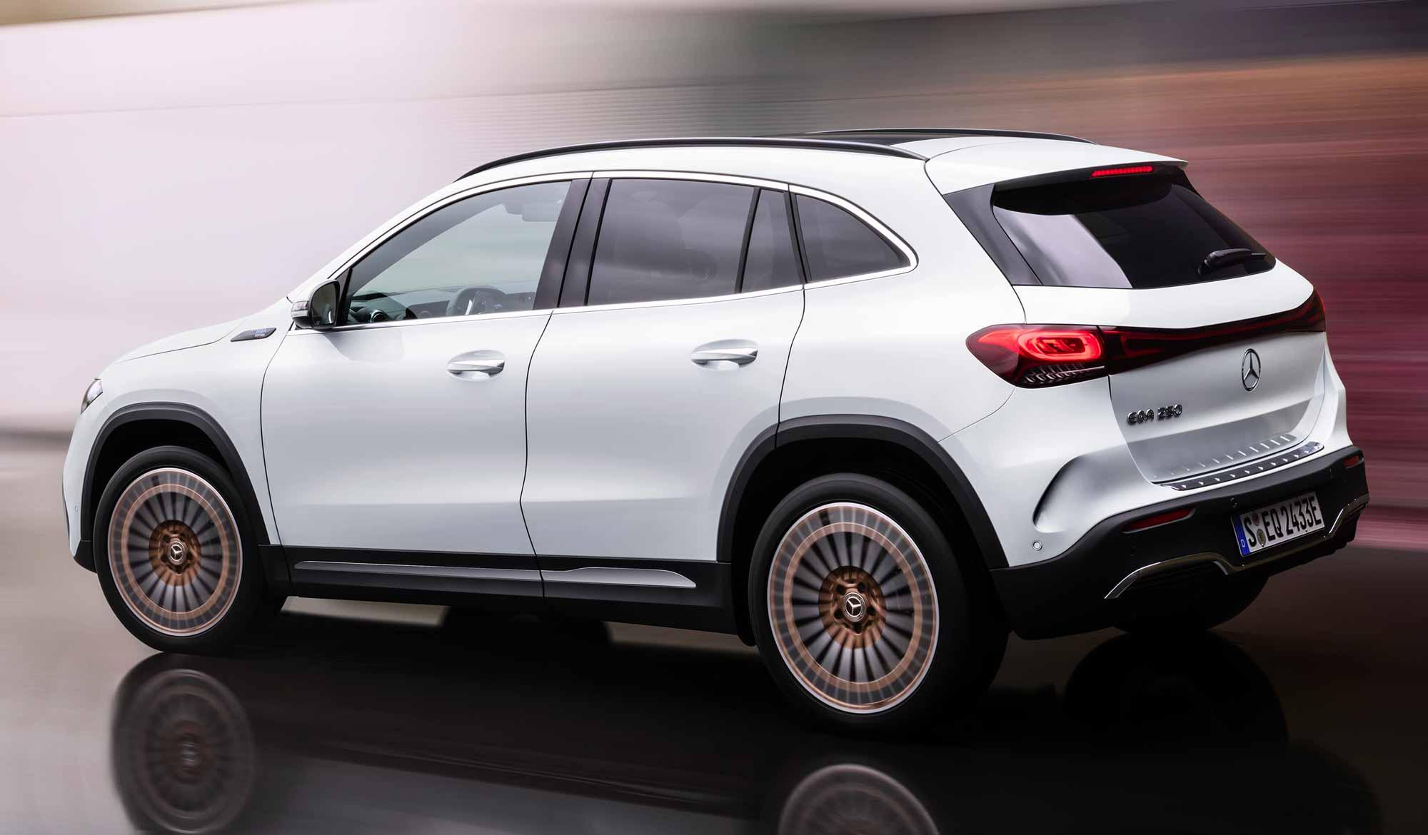 Nuova Mercedes EQA