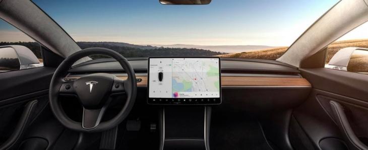 Plancia Tesla Model 3