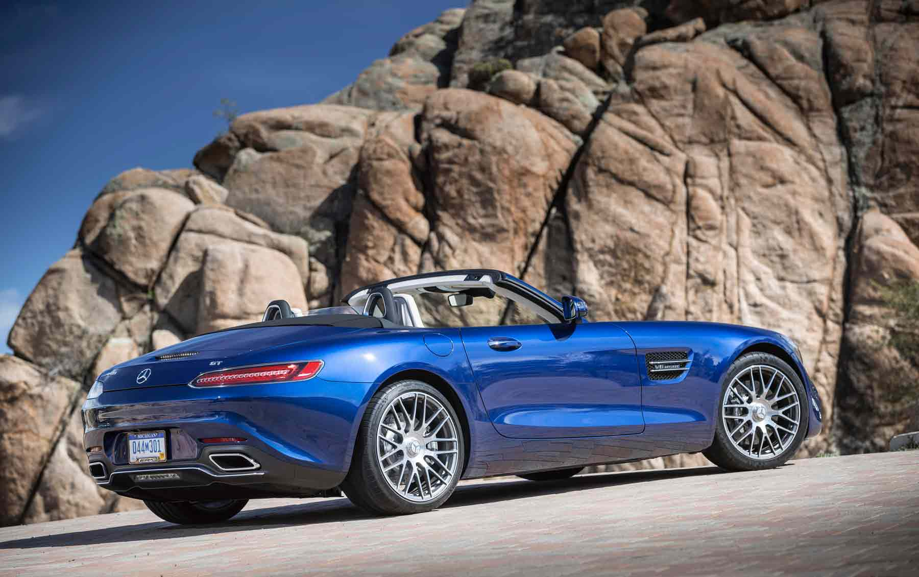 Retro Mercedes AMG GT Roadster