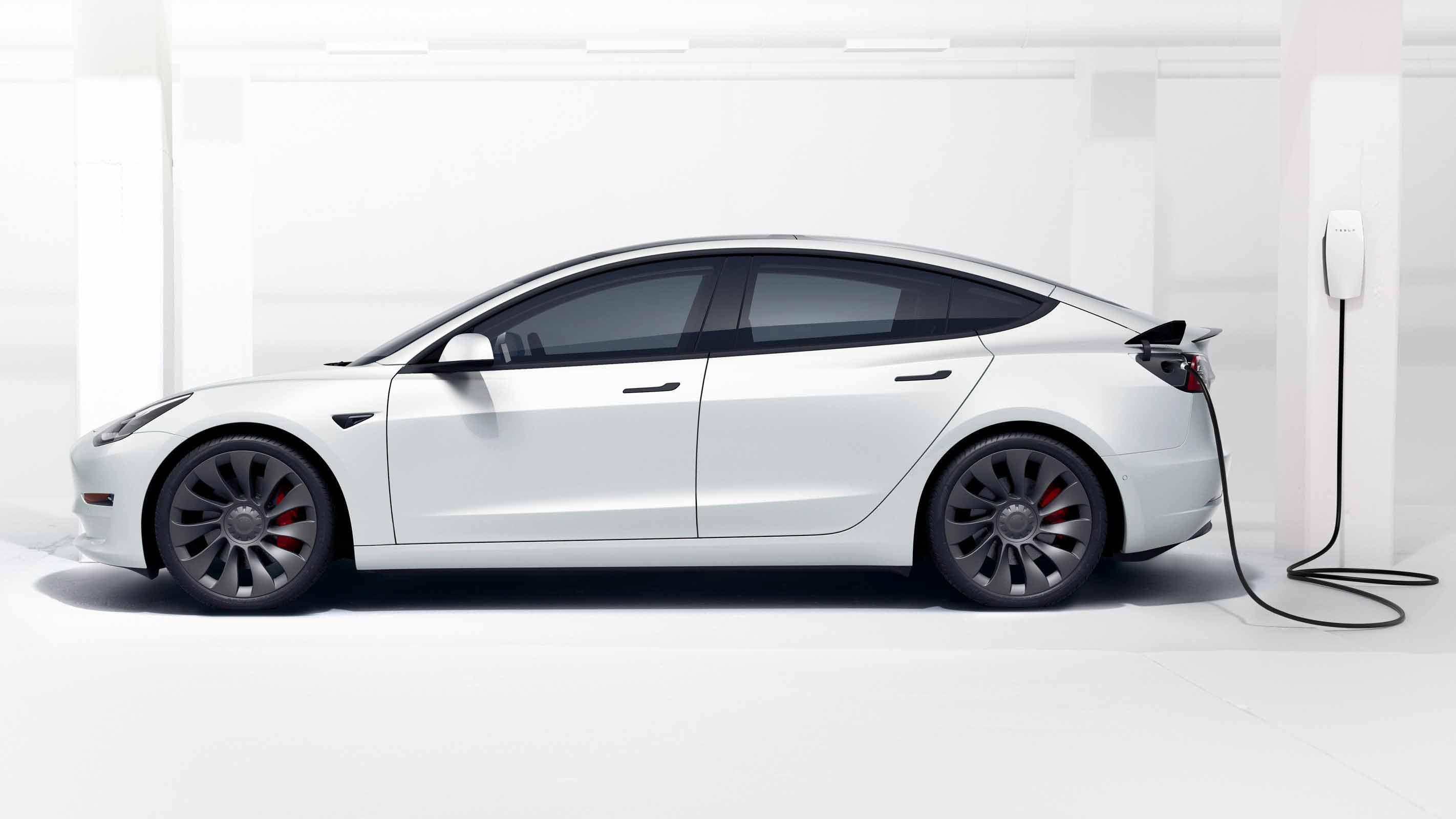 Ricarica Tesla Model 3