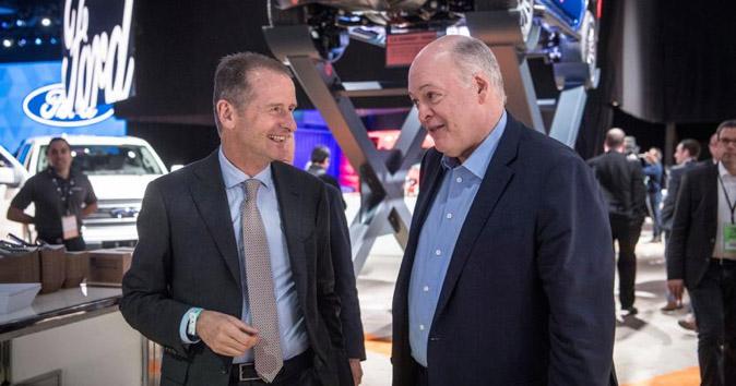 CEO di Ford Jim Hackett e il CEO di Volkswagen Group Herbert Diess
