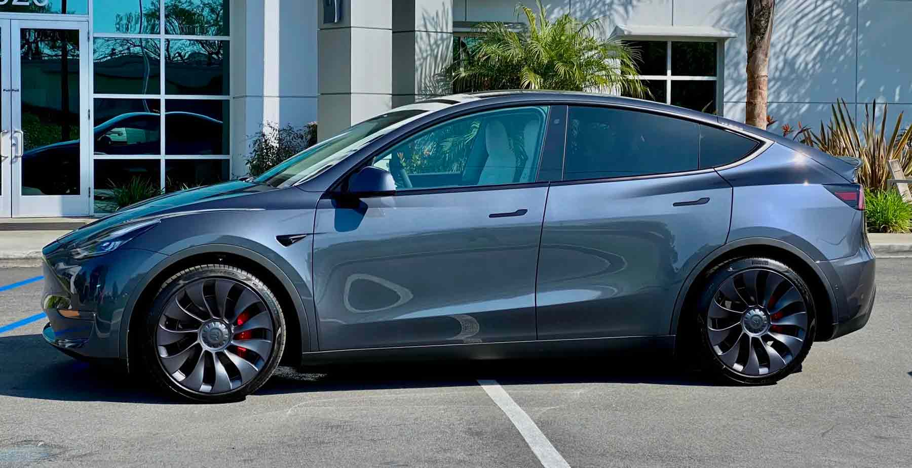 Fiancata Tesla Model Y